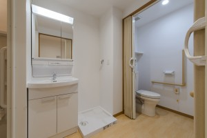 小町山居室洗面・トイレ
